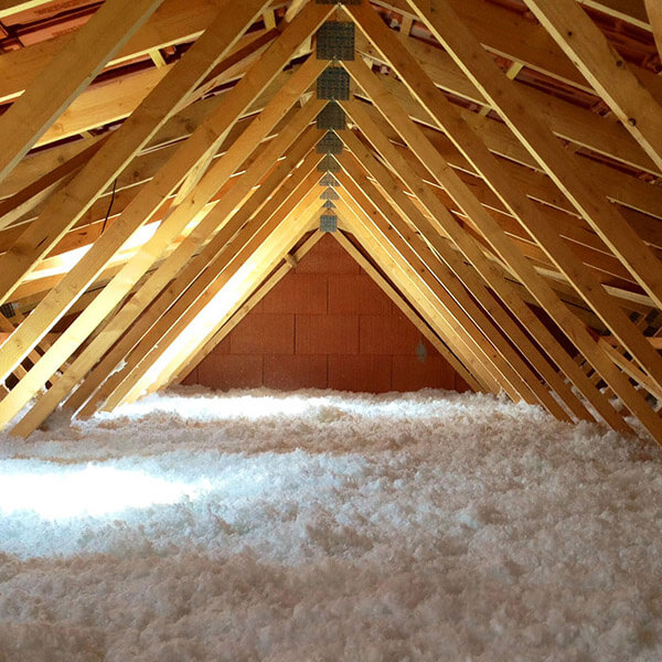 Attic insulation services in Montreal & Laval