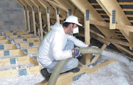 Attic insulation with fiberglass wool in Laval