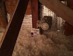 Attic insulation sprayed, Brossard
