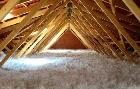 Attic insulation services in Laval