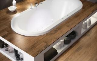 Entrepreneur en rénovation de salle de bain - bain podium