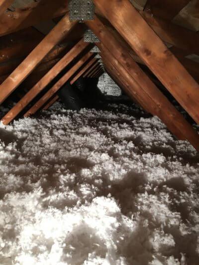 Isolation de toit à la laine soufflée