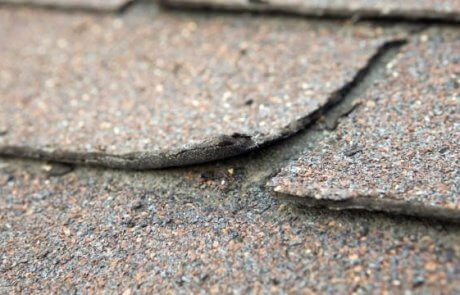 Réparation de toiture en bardeau