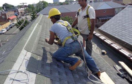 Rénovation de toiture en bardeaux d'asphalte, Saint-Jean