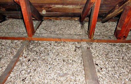 Vermiculite dans l'entretoit, Joliette
