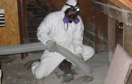 Décontamination de vermiculite dans la toiture, Joliette