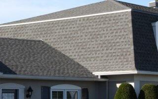 Emploi couvreur Longueuil toit de bardeaux